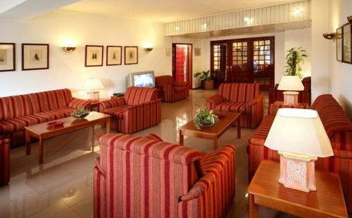 comfort-inn-almedina-coimbra-lobby